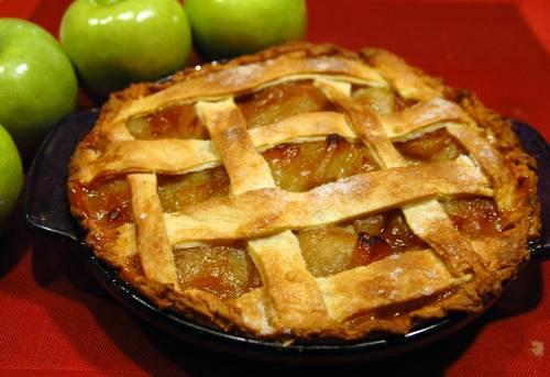 """""""Torta di mele razzista"""". Ultima crociata della cancel culture"""