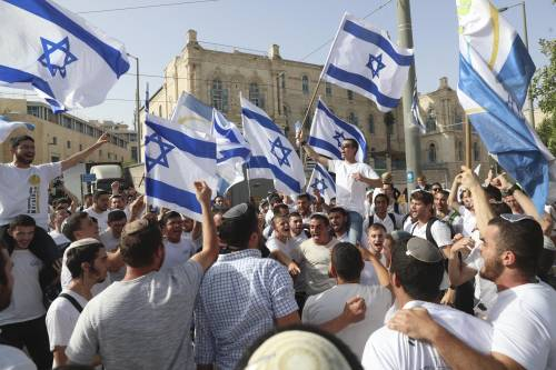 """""""Via palestinesi e cristiani dalla Terra Santa"""". Chi c'è dietro questa frase"""