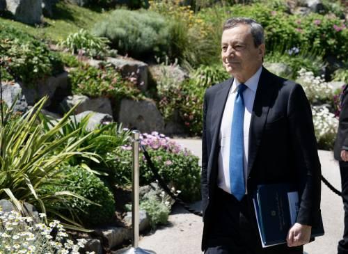 """Draghi: """"Io stesso farò eterologa. Liberi di fare seconda dose AstraZeneca"""""""