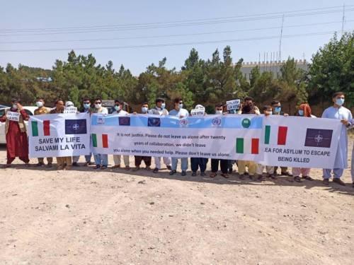 """L'Italia ci salvi dai Talebani"": appello dei fornitori afghani all'Italia"