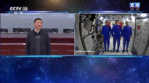La Cina nello spazio. E Xi saluta gli astronauti in orbita