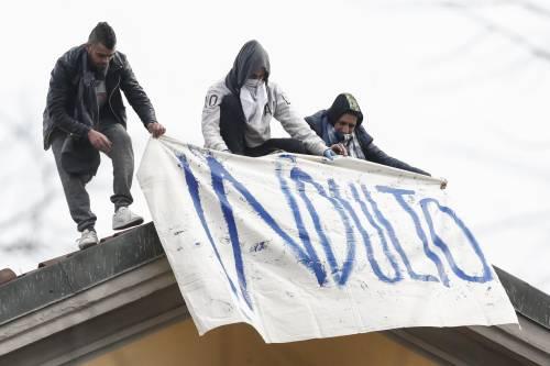 Violenze sui reclusi in rivolta. Sei agenti finiscono in cella