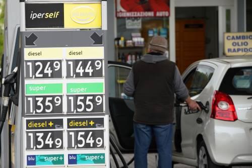 Arriva la mazzata sulla benzina: cosa succede ai prezzi