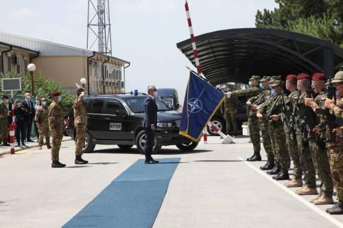 Il generale Federici accoglie il segretario Nato Stoltenberg