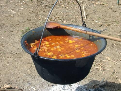 """La morte orribile: """"Divorato dalla zuppa bollente"""""""