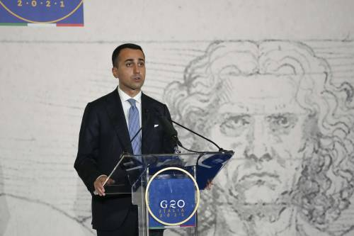"Di Maio dichiara guerra a Conte: ""Chi vincerà..."""