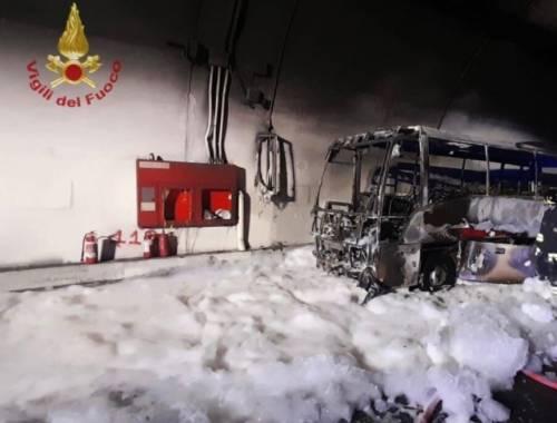 L'autista eroe: così ha salvato 25 bimbi dalle fiamme