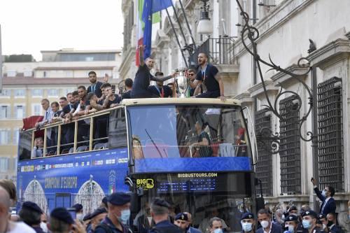 La telefonata in extremis, poi il bus scoperto: cos'è successo