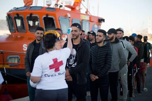 Migranti nel Covid hotel. Già spesi 200mila euro
