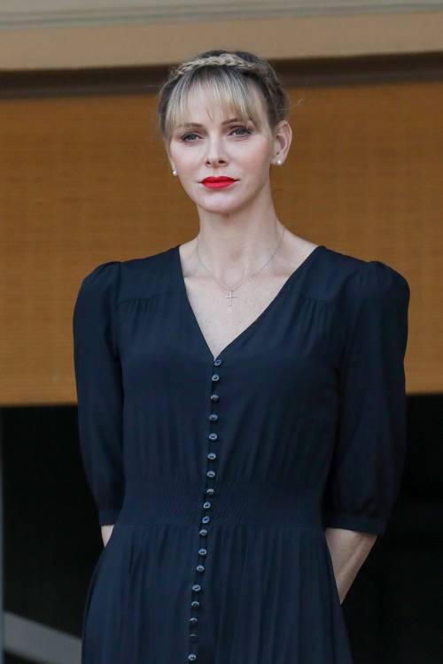 Il collasso e la corsa in ospedale: ancora paura per Charlene di Monaco