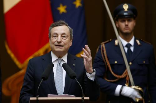 L'ultima trattativa che divide i partiti. E Draghi è pronto a parlare al Paese