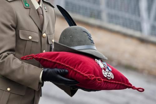 """""""Una ferita ancora aperta"""". L'onore per i nostri caduti in Afghanistan"""
