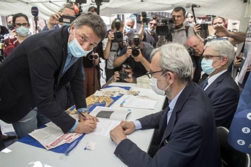 "Renzi firma i referendum: ""Pressione sul Parlamento"""