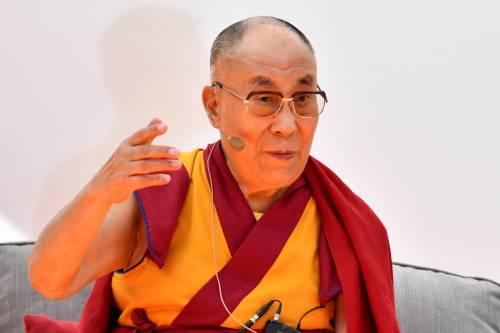 Spiati pure il Dalai Lama e le principesse in fuga. Parigi apre un'inchiesta
