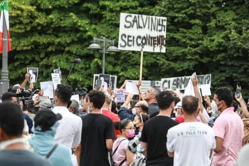 """""""Salvini con gli assassini"""", tensioni al corteo contro l'assessore di Voghera"""