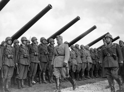 Nuovi documenti dall'archivio segreto di Mussolini: ecco cosa contengono