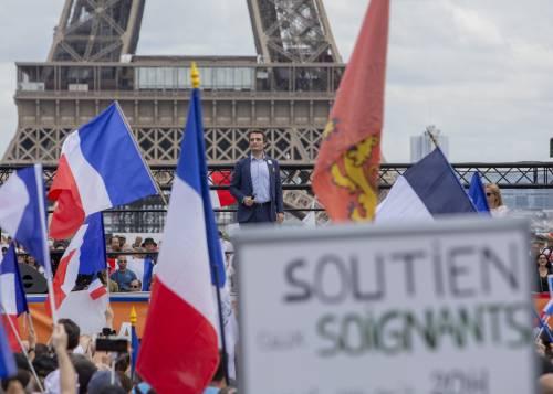 Francia, dopo i cortei il giorno del green pass: arriva il via libera finale