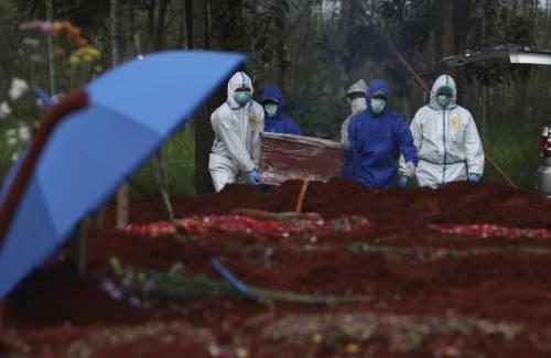 In Indonesia allarme tra i bambini: 100 morti alla settimana e reparti pieni