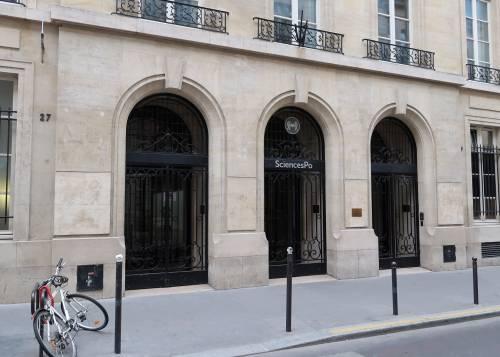 Gli scandali travolgono il tempio della sinistra francese