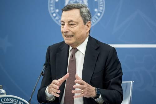 Il piano di Draghi per tagliare le bollette. E poi lancia un patto per l'Italia