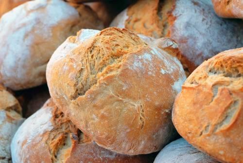 La moltiplicazione del pane per illuderci di essere unici