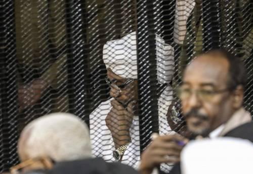"""Massacri, stupri e terrorismo Bashir va alla sbarra all'Aja. """"Non può restare impunito"""""""