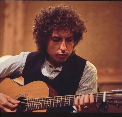 """""""Mi molestò quando avevo 12 anni"""": pesanti accuse per Bob Dylan"""