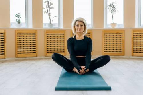 La ginnastica a 60 anni: come farla a casa