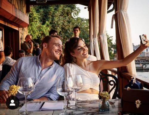Love is in The Air, per Hande e Kerem l'amore è fuori dallo schermo
