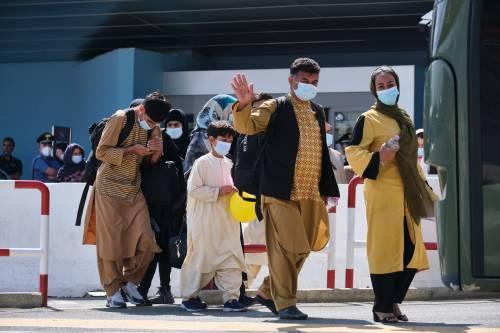Kabul, è il giorno dell'addio. Razzi contro l'aeroporto fermati dallo scudo americano