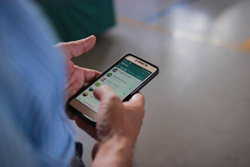 WhatsApp come Facebook: cosa succede all'app