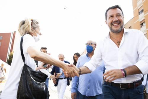 La mossa di Salvini per cancellare il reddito grillino. E su Conte e Di Maio...