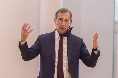 """""""Radical chic"""", """"pistola"""" e """"volgarità"""": sui social la rissa Sala-Bernardo"""