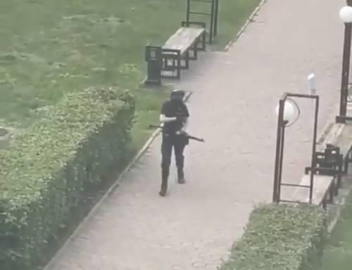 Gli spari, poi la fuga: l'attacco all'università russa
