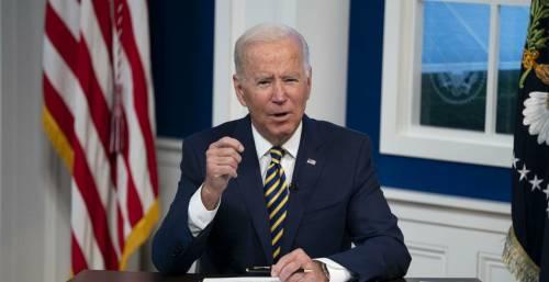 """Biden """"riapre"""" ai turisti Ue: ecco cosa c'è dietro alla mossa"""