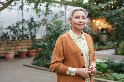 Caduta dei capelli nelle donne over 60: cosa fare