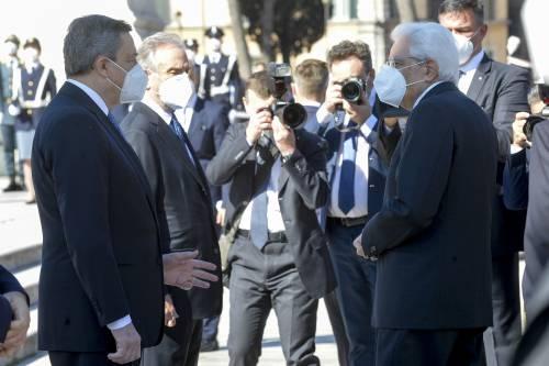"""Proposta di Draghi a Mattarella: """"Se resti tu,  resto anche io..."""""""