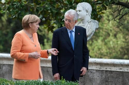 """La confessione di Monti: """"Quella serata in terrazza con la Merkel..."""""""