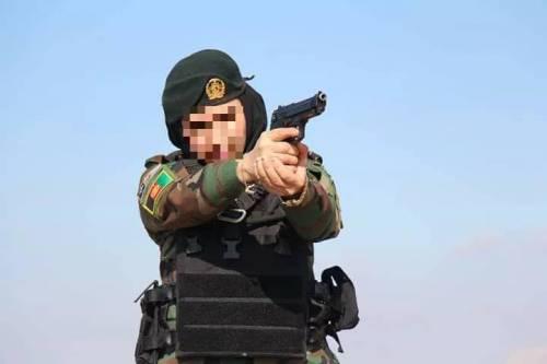 """""""Sono finalmente salva"""". Così è scappato il """"soldato Jane"""" afghano"""