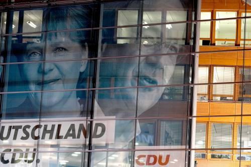 """""""Ora fate presto"""". Bruxelles chiede un governo forte per il post Covid"""