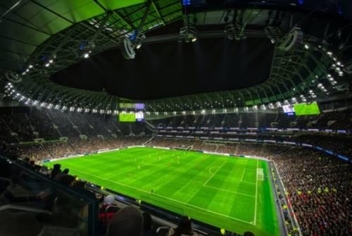 Uefa. Pronti i 7 miliardi di aiuti. Cresce la polemica tra i club europei