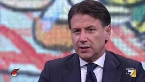 """Conte si irrita in tv: """"Fesserie"""". E archivia le quirinarie"""