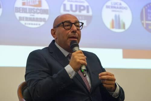 "Bernardo a De Luca: ""Io un umarell? Lui una macchietta: faccia meno show"""