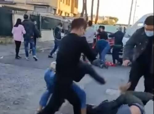 Operai presi a sprangate per uno sciopero. Video dell'aggressione