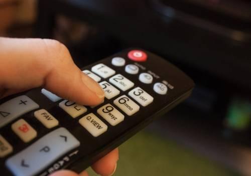 """Rai e Mediaset """"spengono"""" alcuni canali: cosa succede dal 20 ottobre"""