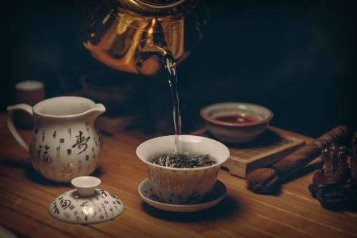 Tè nero: ecco perché berlo a 60 anni