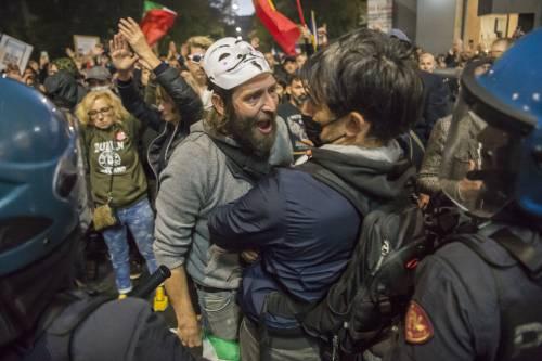 Due arresti per le proteste. I violenti sono anarchici