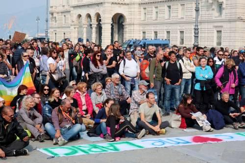 """Trieste non molla: """"Via il green pass e scuse ufficiali per gli scontri"""""""