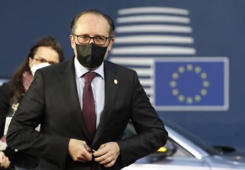 """Austria, linea dura contro i No Vax: """"Futuri lockdown soltanto per loro"""""""