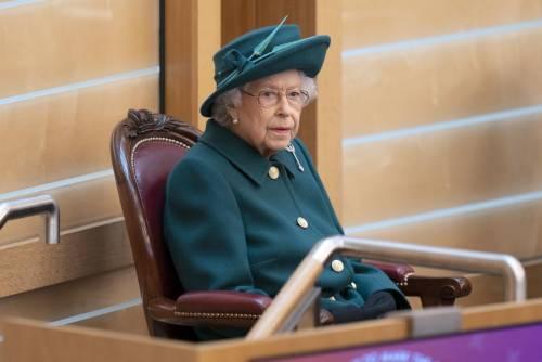 """""""Basta con la monarchia"""": la profezia nera sui Reali inglesi"""